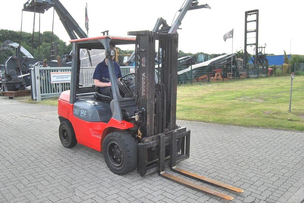 Toyota FDJF35-02 Diesel Forklift