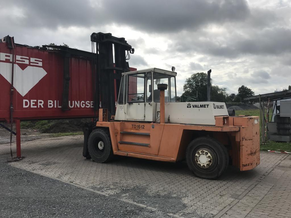 Valmet TD1612 Diesel Forklift www.hinrichs-forklifts.com