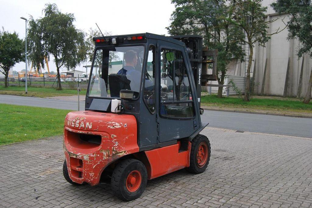 NissanFGD02A300