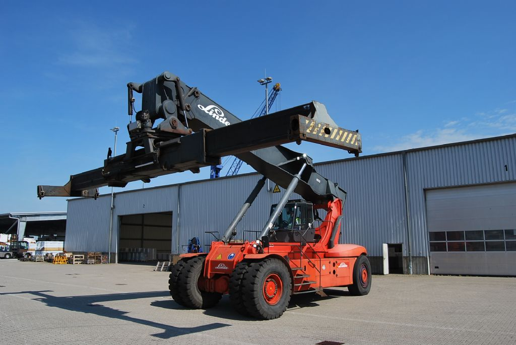 Linde C4535TL Full-container reach stacker