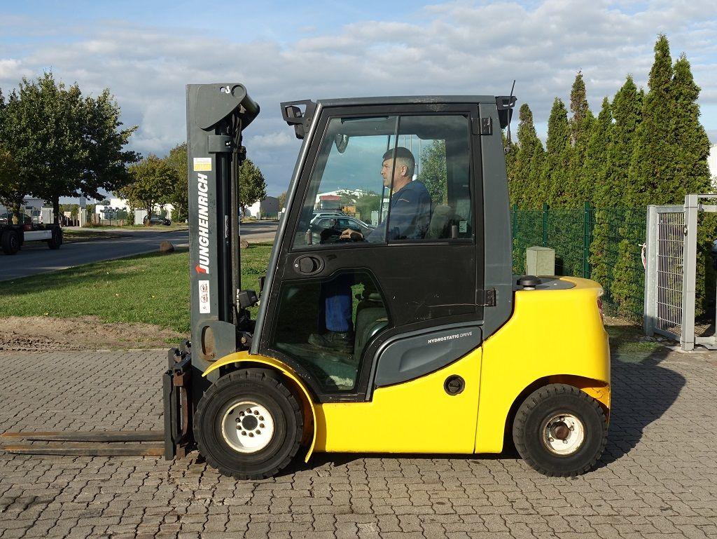 Diesel Gabelstapler-Jungheinrich-DFG430S/ G330ZT