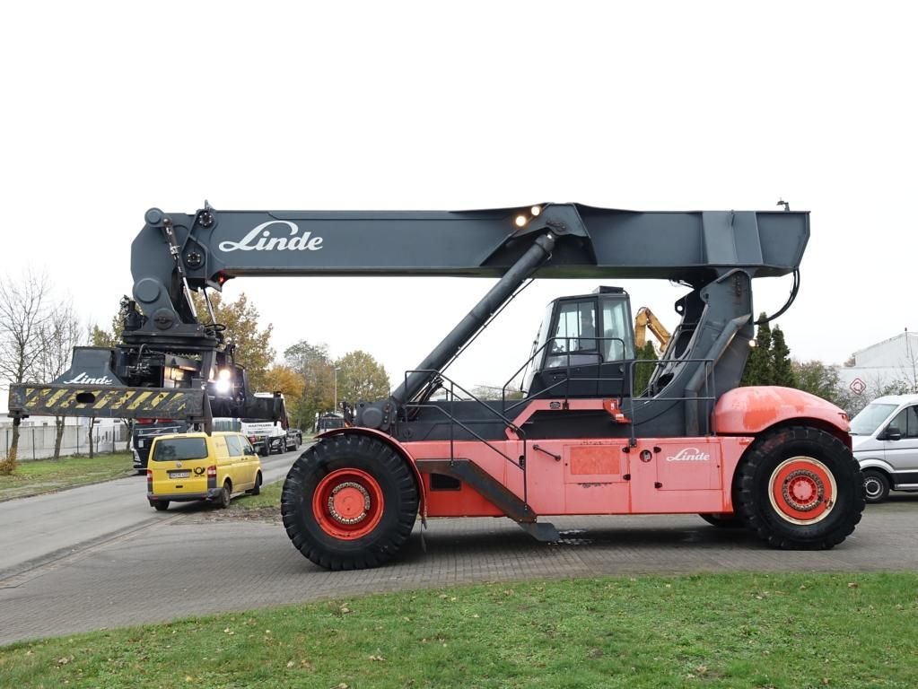 Linde C4535TL5 Full-container reach stacker