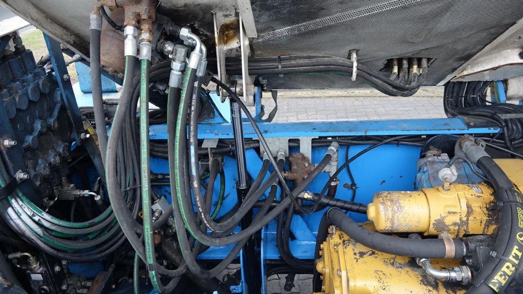 Svetruck 1612038 Leer Containerstapler