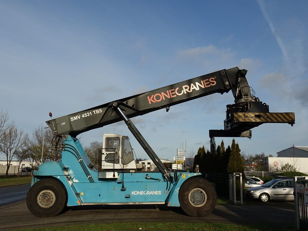 SMV SC4531TB5 Full-container reach stacker www.hinrichs-forklifts.com