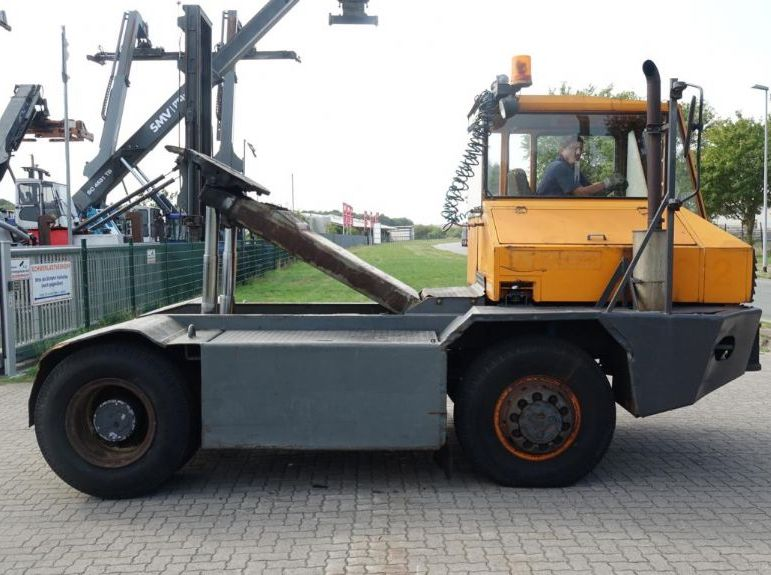 Schlepper-Sisu-TR180AL1C4  4x4
