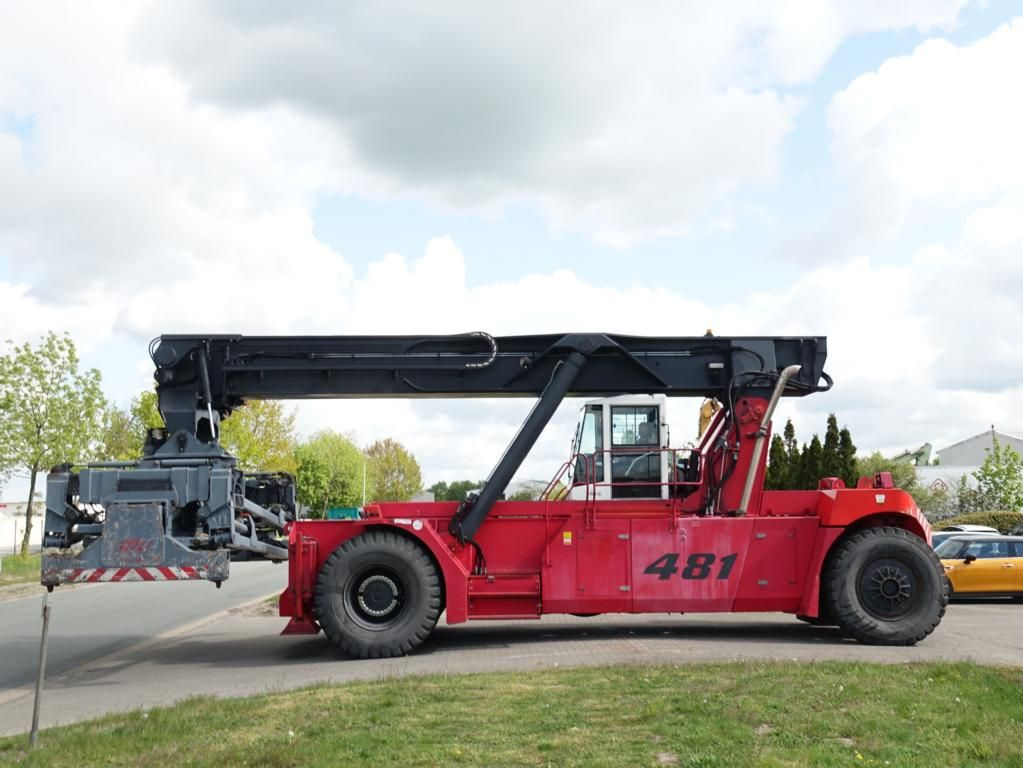 CVS Ferrari F481PB Full-container reach stacker www.hinrichs-forklifts.com