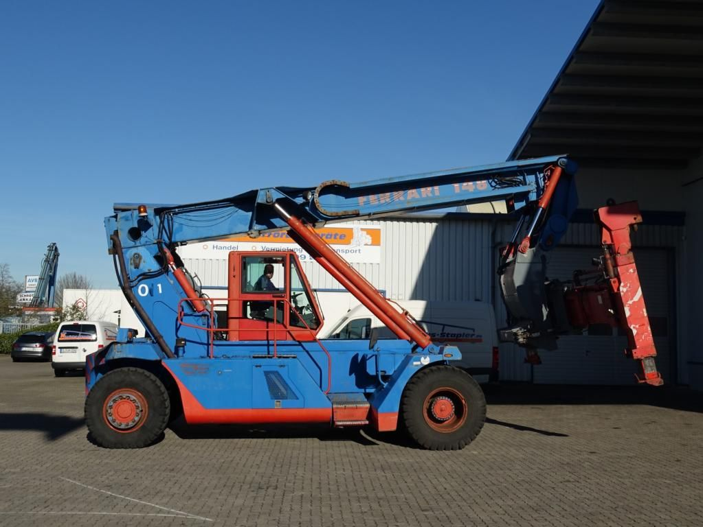 CVS Ferrari-F148-Leercontainer Reachstacker