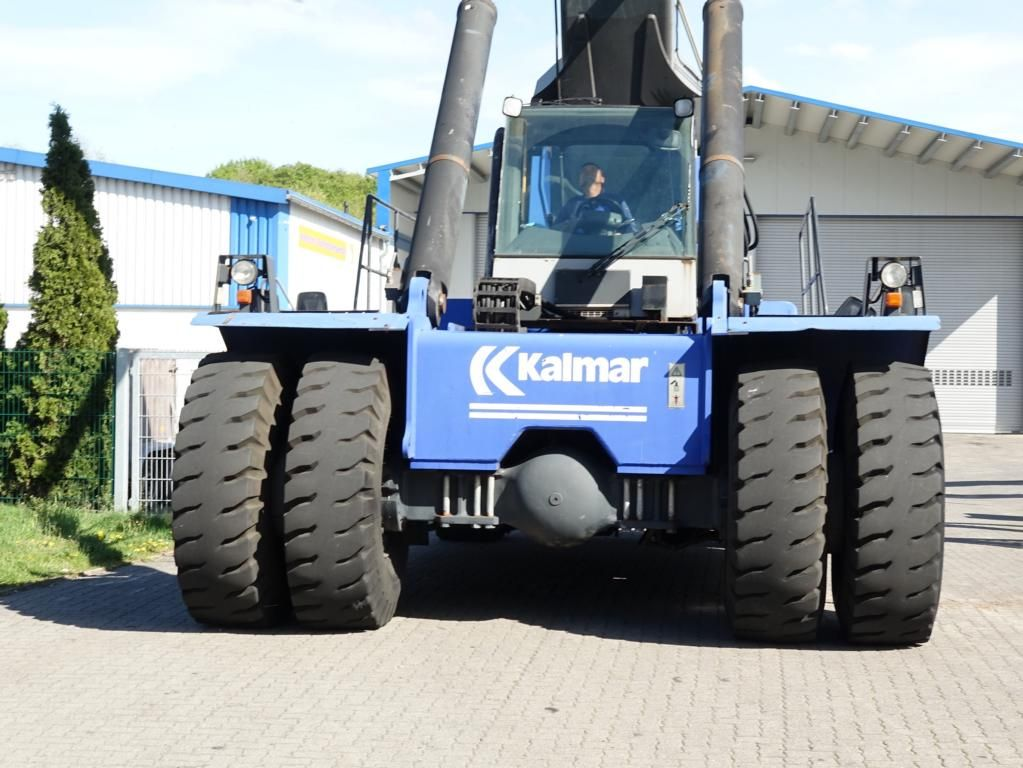 Kalmar DRS4527-S5 Full-container reach stacker