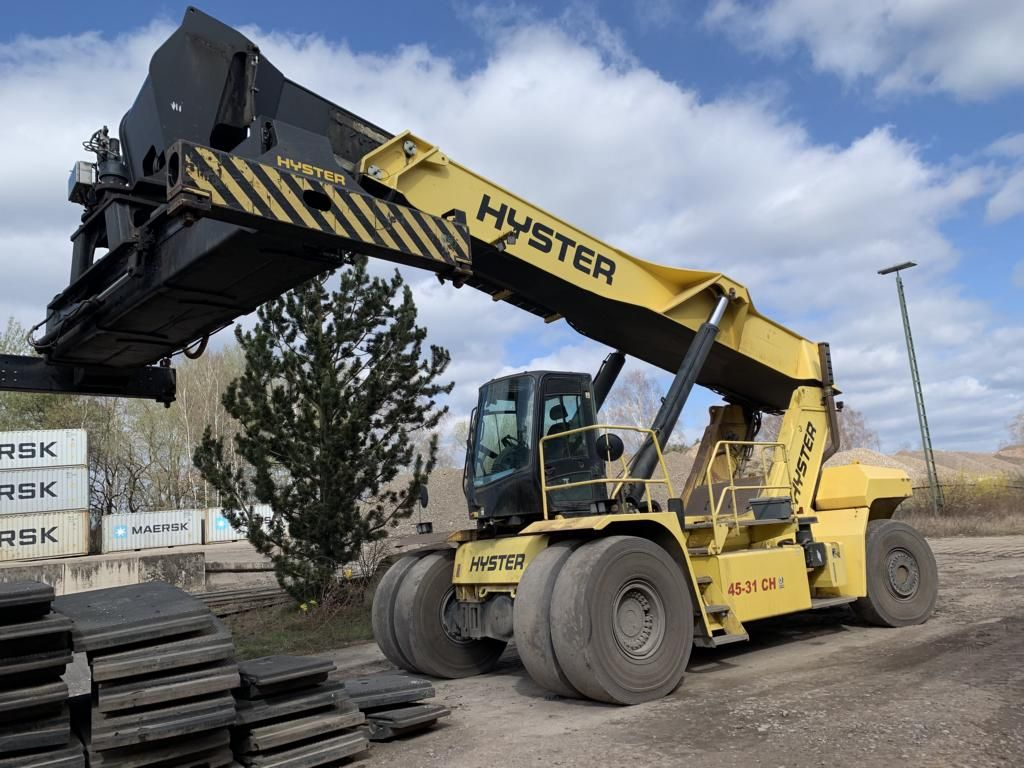 Hyster RS4531CH Full-container reach stacker www.hinrichs-forklifts.com