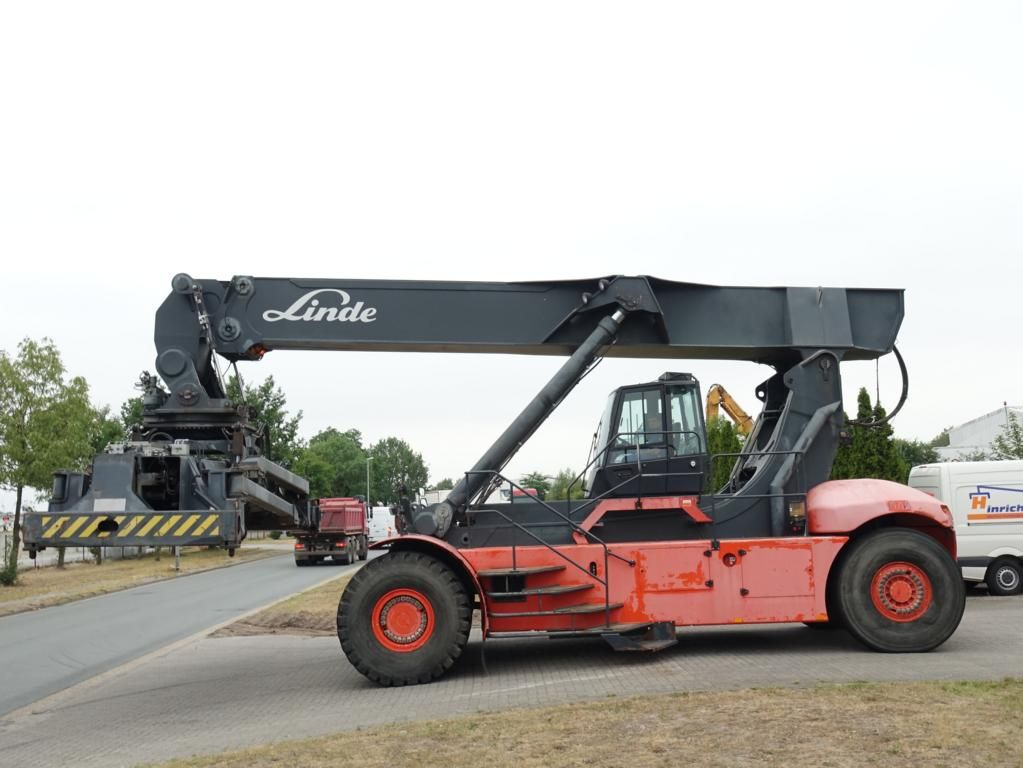 Linde C4026CH Vollcontainer Reachstacker www.hinrichs-forklifts.com
