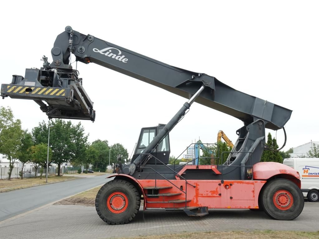 Linde C4026CH Full-container reach stacker