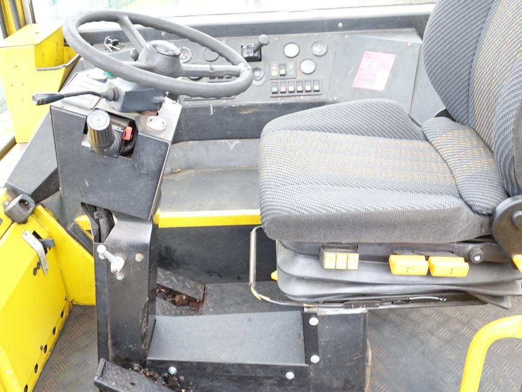 Terberg RT28 4x4 Terminal tractor