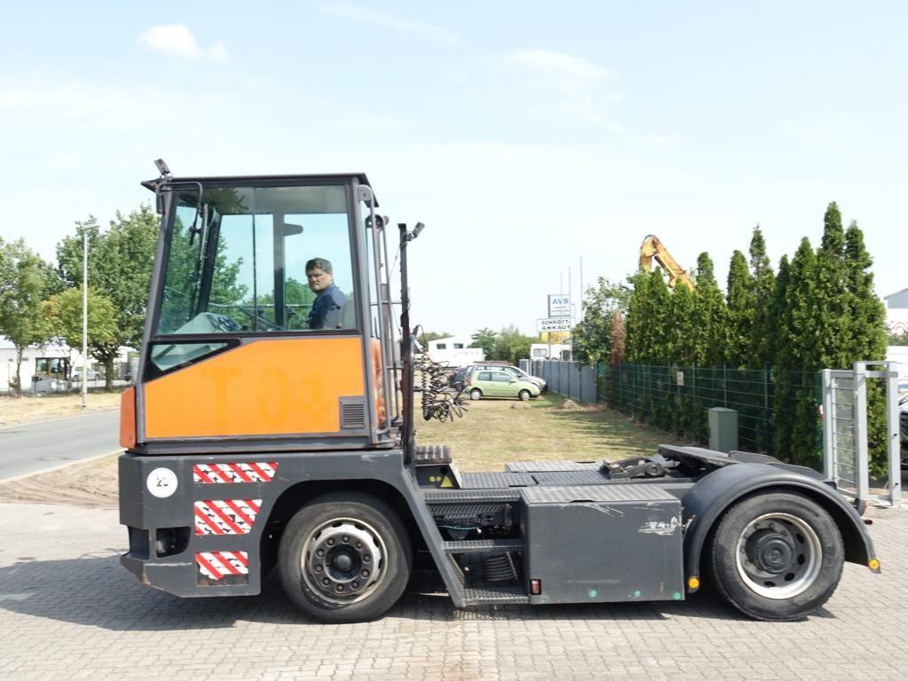 MAFI MT25YT 4x2FL Terminal tractor www.hinrichs-forklifts.com