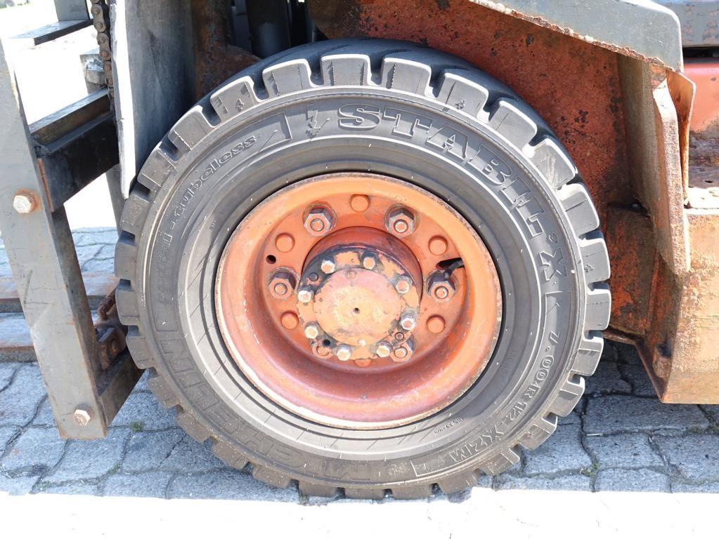 Nissan FG02A25Q Diesel Forklift