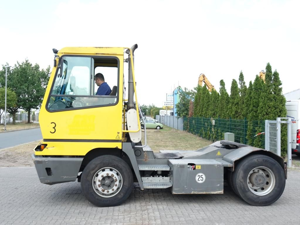 Terberg YT222 Terminal tractor www.hinrichs-forklifts.com
