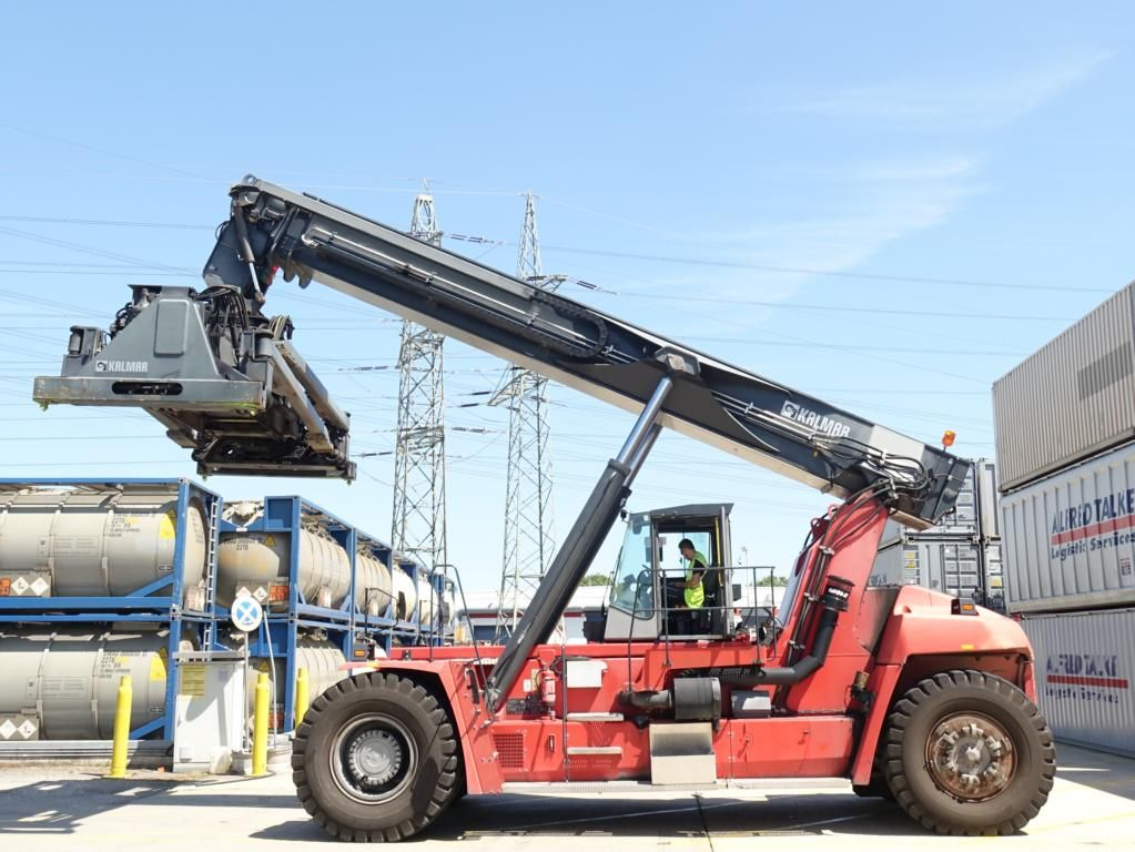 Kalmar-DRF450-65C5XS-Vollcontainer Reachstacker