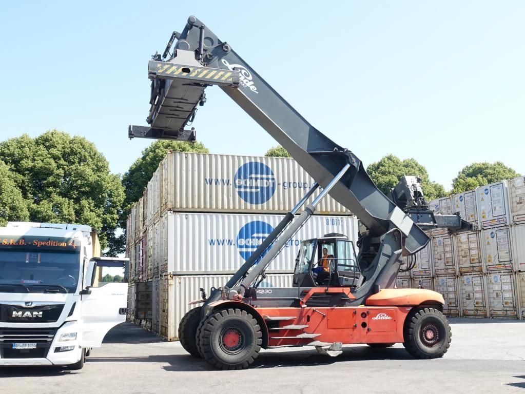 Linde C4230TL4 Full-container reach stacker www.hinrichs-forklifts.com
