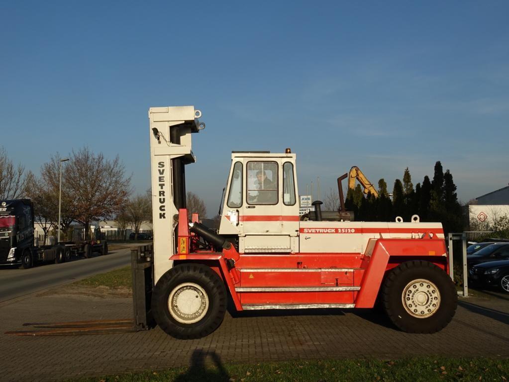 Svetruck-2512042-Schwerlaststapler