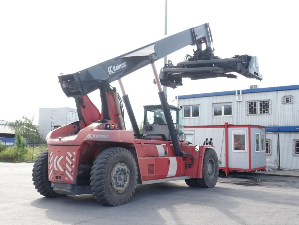 Kalmar DRF450-60C5X Full-container reach stacker