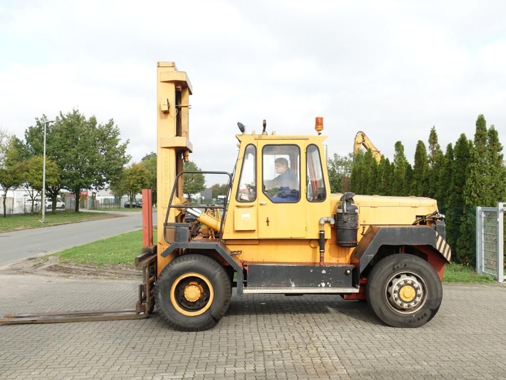 Lungby Truck LT12-761IVB Heavy Forklifts www.hinrichs-forklifts.com