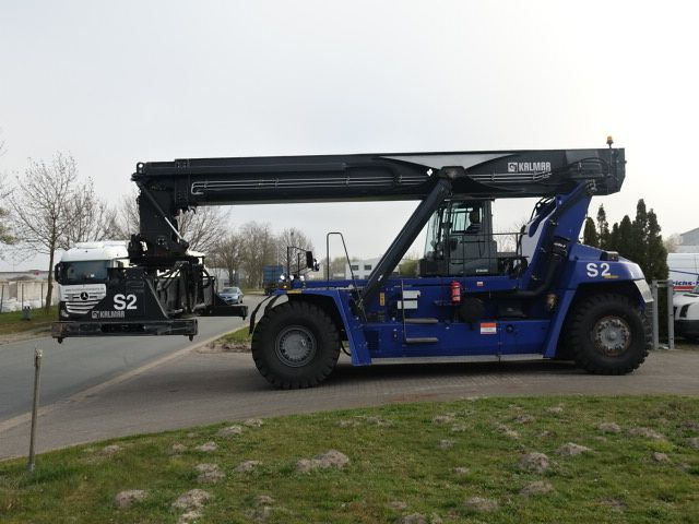 Kalmar-DRG420-60S5-Vollcontainer Reachstacker