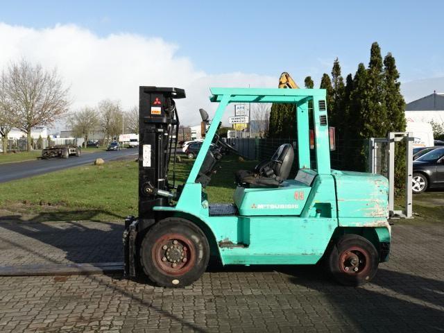 Mitsubishi FD45K2 Diesel Forklift www.hinrichs-forklifts.com