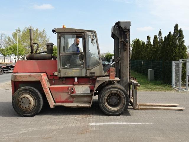 Kalmar DCD100-6 Diesel Forklift www.hinrichs-forklifts.com
