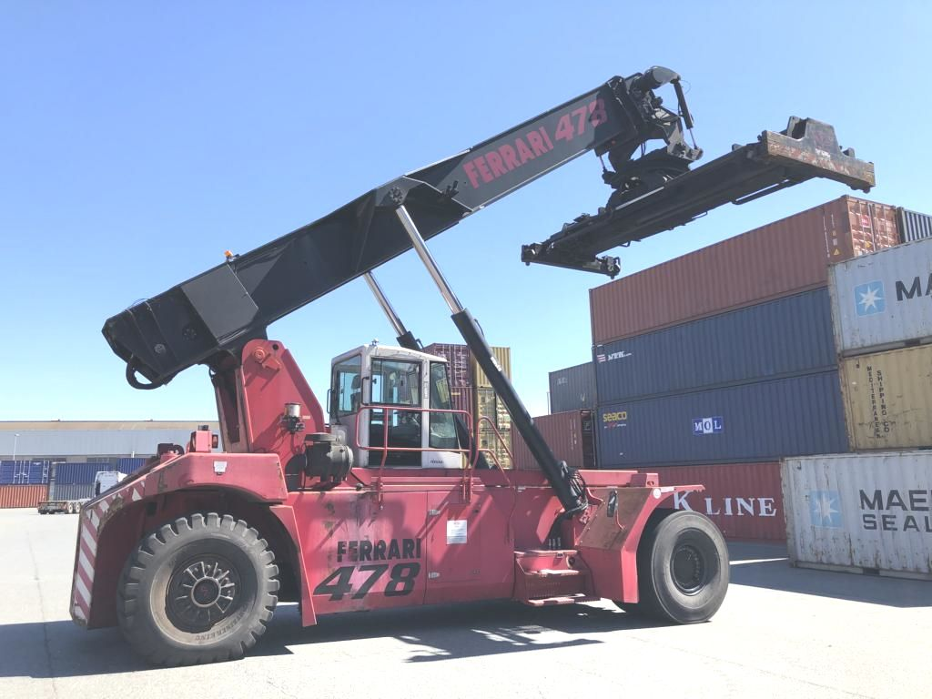 CVS Ferrari F478 Full-container reach stacker www.hinrichs-forklifts.com