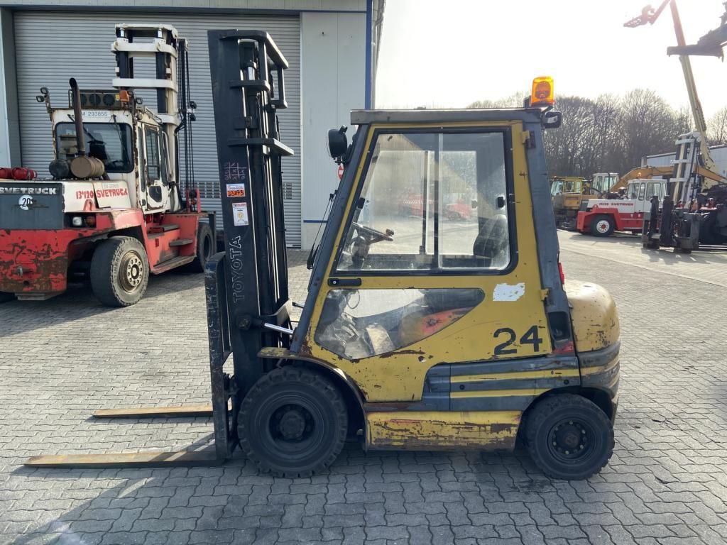 Toyota 62-6FDF20 Diesel Forklift www.hinrichs-forklifts.com