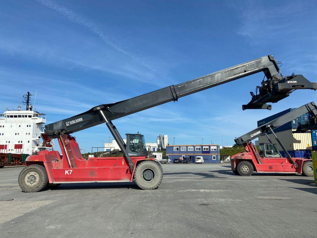 Kalmar DRG450-75S5X Full-container reach stacker