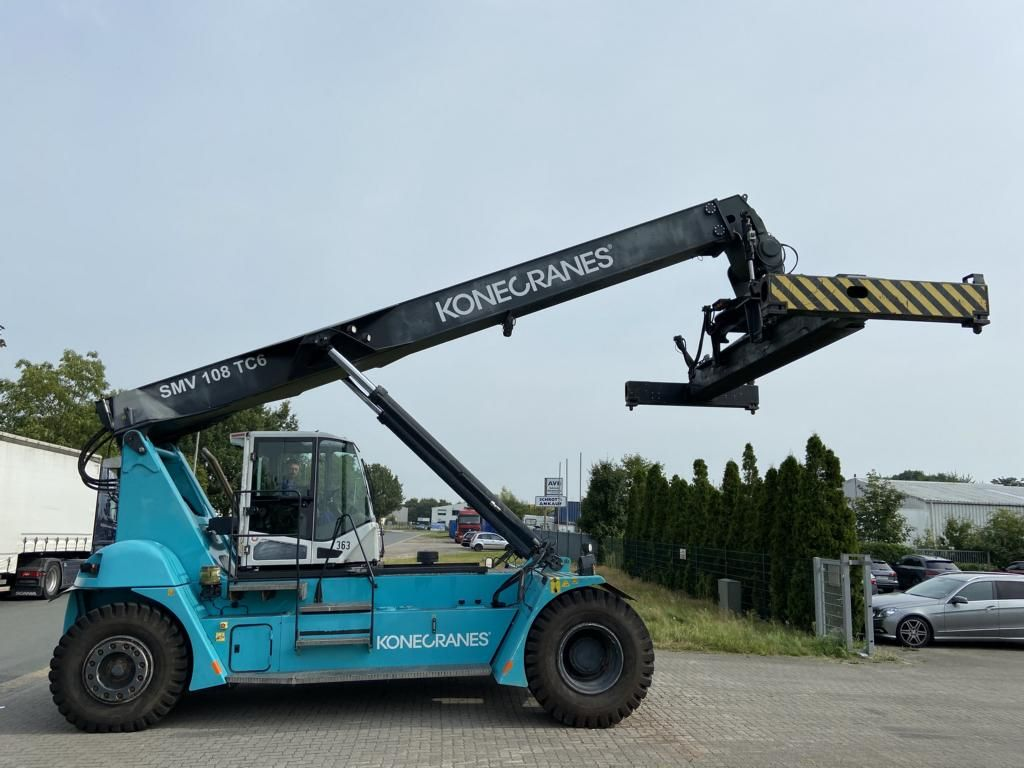 SMV-108TC6-Leercontainer Reachstacker