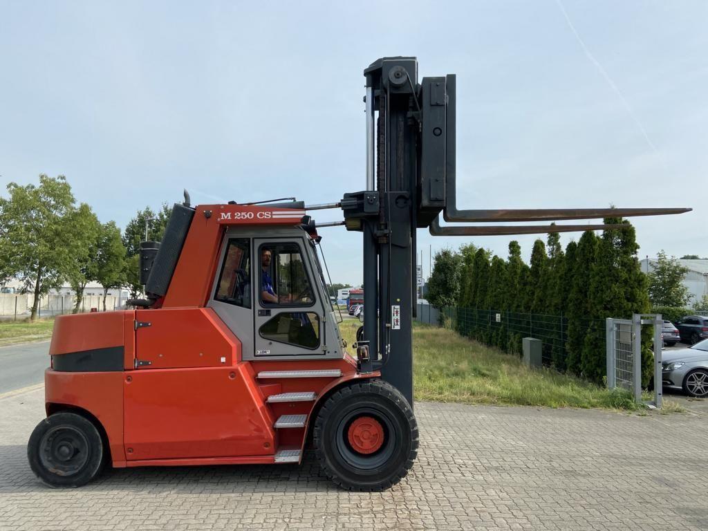Mora-M250CS-Schwerlaststapler