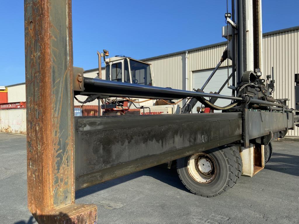 Svetruck ECS6H Empty Container Handler