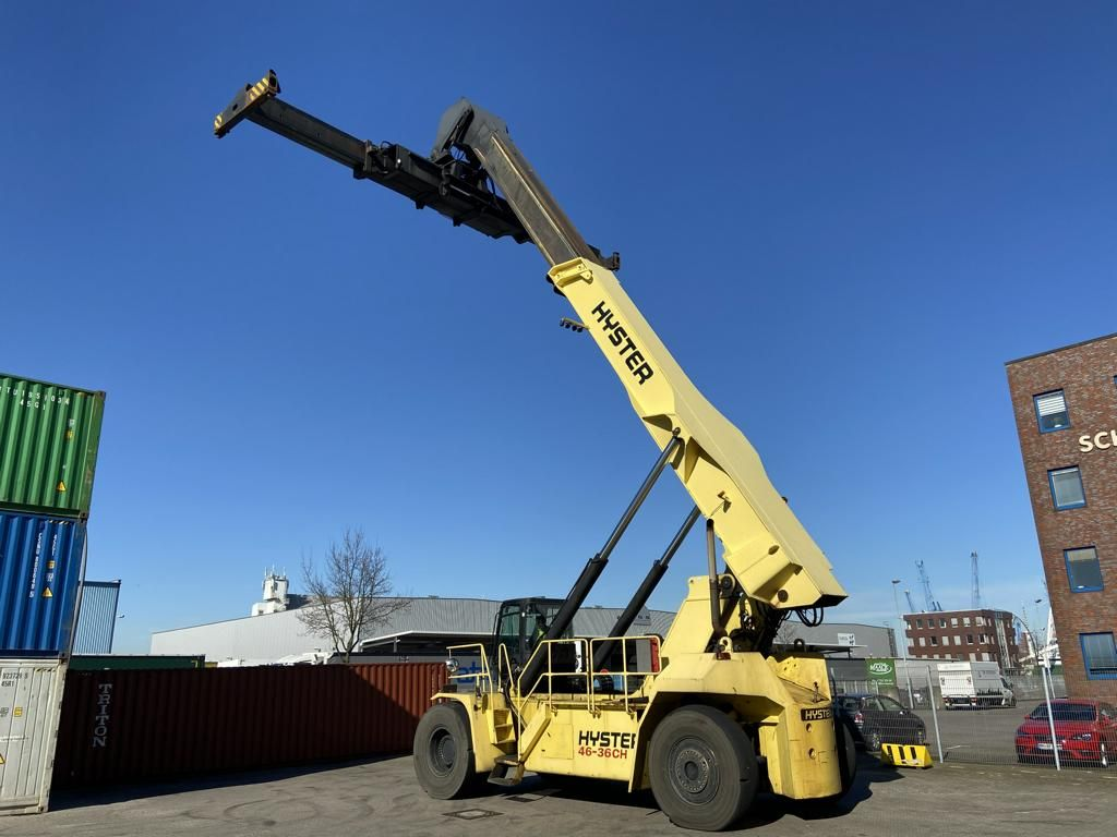 Hyster RS4636CH Full-container reach stacker