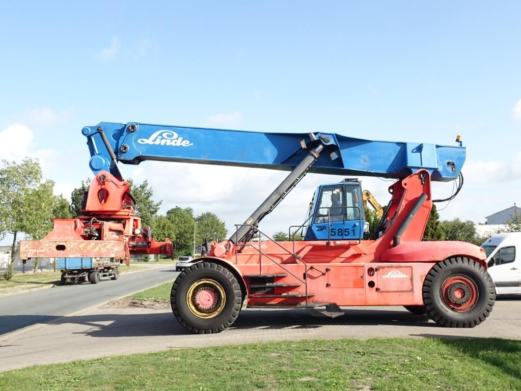 Linde C4535TL4 Full-container reach stacker www.hinrichs-forklifts.com
