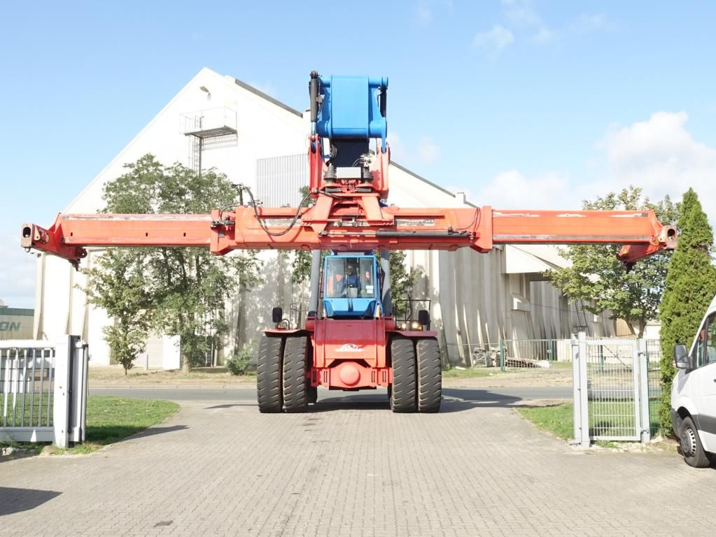 Linde C4535TL4 Full-container reach stacker