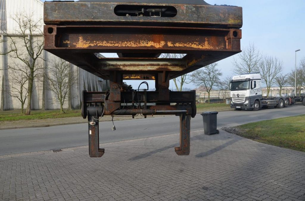 *Sonstige Coilhandling Reachstacker Carrying mandrel www.hinrichs-forklifts.com
