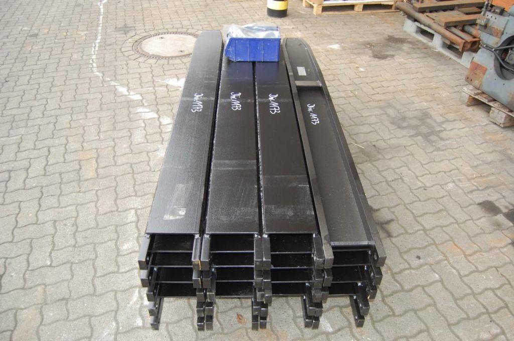 *Sonstige E-L-M GF KL3x2000 вилки www.hinrichs-forklifts.com