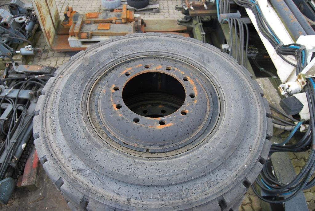 *Sonstige Marangoni 10.00-20 16PR 7.50-20 Felge Tires, Wheels and Rims www.hinrichs-forklifts.com