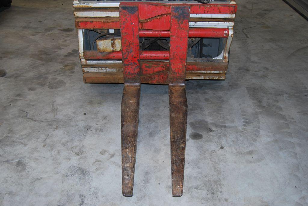 Durwen PHK45V Fork clamps www.hinrichs-forklifts.com