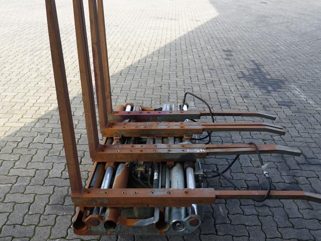 Durwen Dreifachpalettengabel DRPK30-6T Multi-pallet handler 2/1 profile type www.hinrichs-forklifts.com