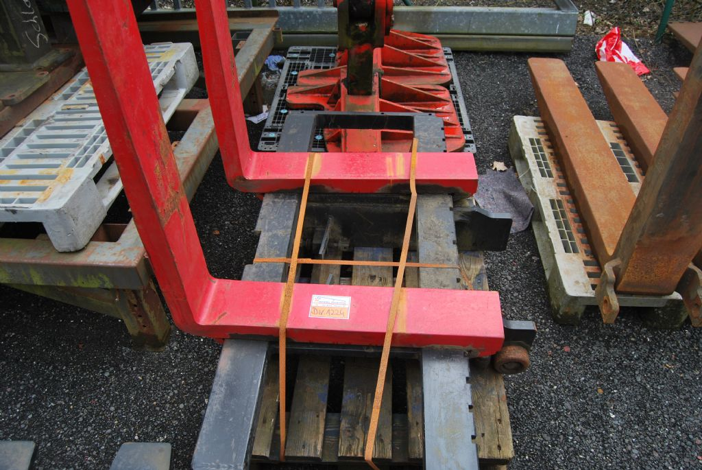 Hyster Gabelträger/ Fork carriage Fork carriage www.hinrichs-forklifts.com