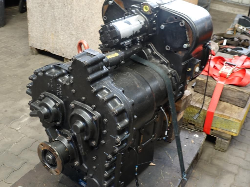 Clark Spicer 15.5HR 2741852 Transmission Transmission