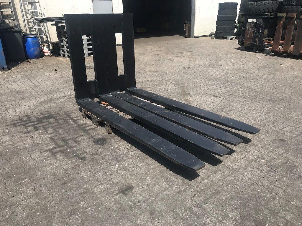 Meclift MecLift 2400mm / 18.000kg @1200mm  Multi-pallet handler 2/1 profile type www.hinrichs-forklifts.com