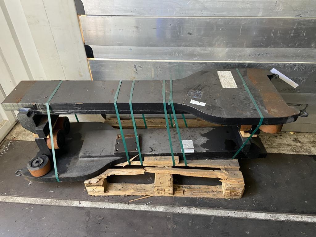 Svetruck 37.000 kg 1200 LSP Forks www.hinrichs-forklifts.com