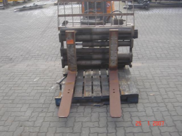 Durwen Klammergabel 30UVA Fork clamps www.hinrichs-forklifts.com