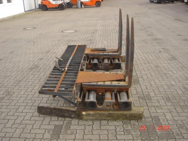 Durwen Klammergabel DUVA70 Fork clamps www.hinrichs-forklifts.com