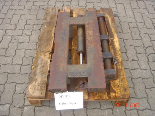 Seitenschieber Side Shift www.hinrichs-forklifts.com