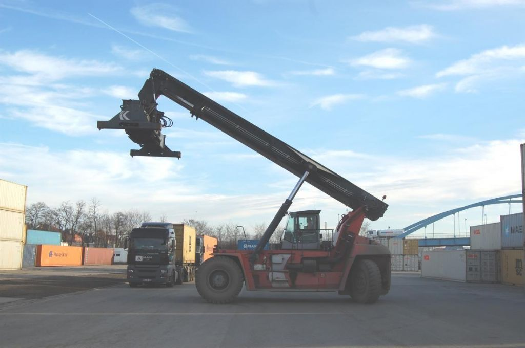 Kalmar DRF450-60-S5X Full-container reach stacker www.hinrichs-forklifts.com