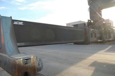Kalmar DRF450-60-S5X Full-container reach stacker